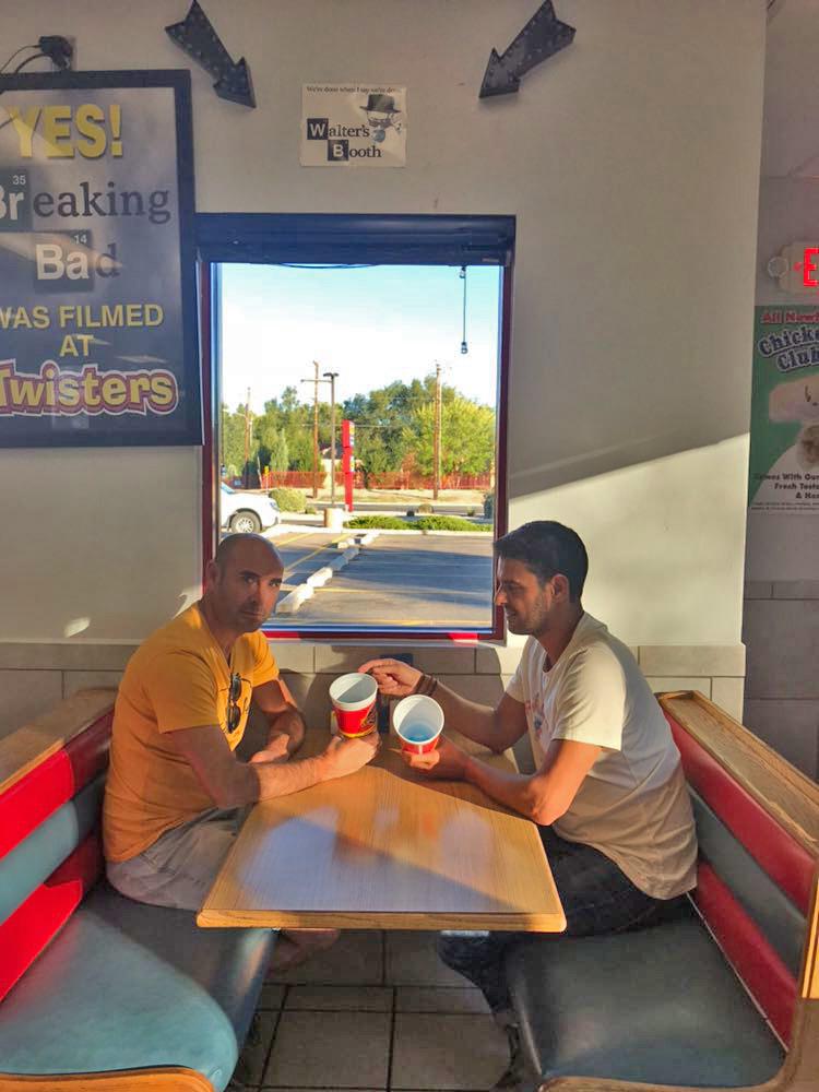 Comer en el restaurante de los Pollos Hermanos es posible. Gracias a Txentxo por sus fotos